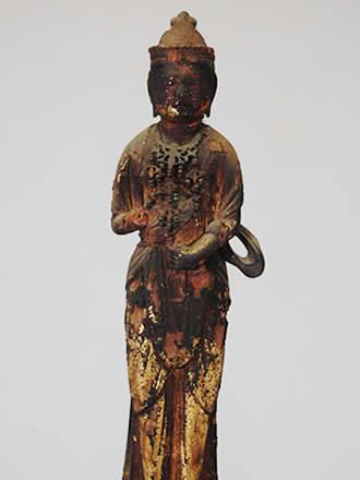 聖観音菩薩立像(市指定文化財)
